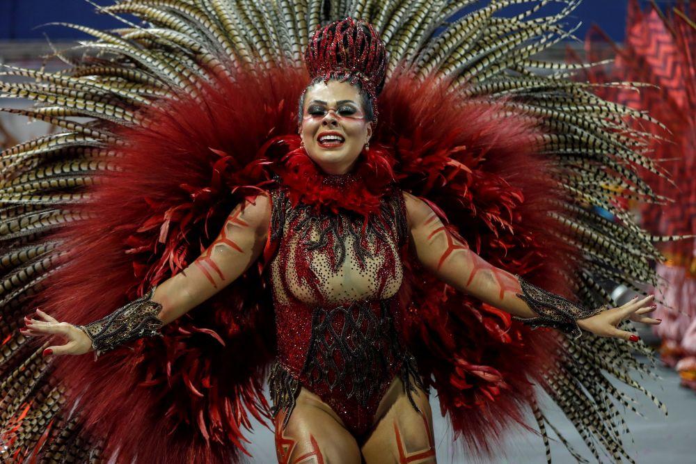 Карнавалът в Рио де Жанейро - пищната веселба в духа на Бразилия<br>