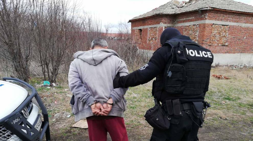 Спецакция в Бургаско: Разбиха нарколаборатория, 11 души са задържани...