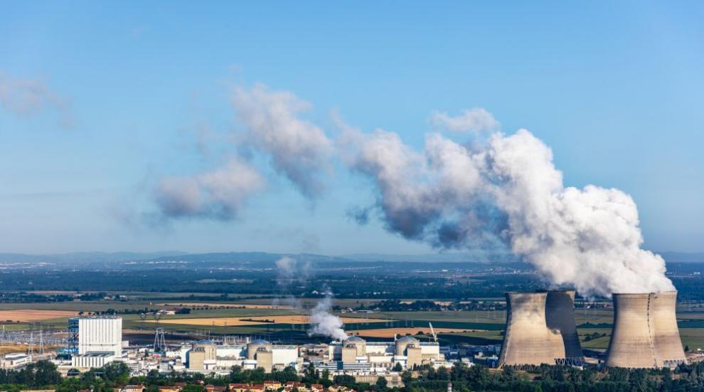 Спряха един реактор от най-старата действаща АЕЦ във Франция
