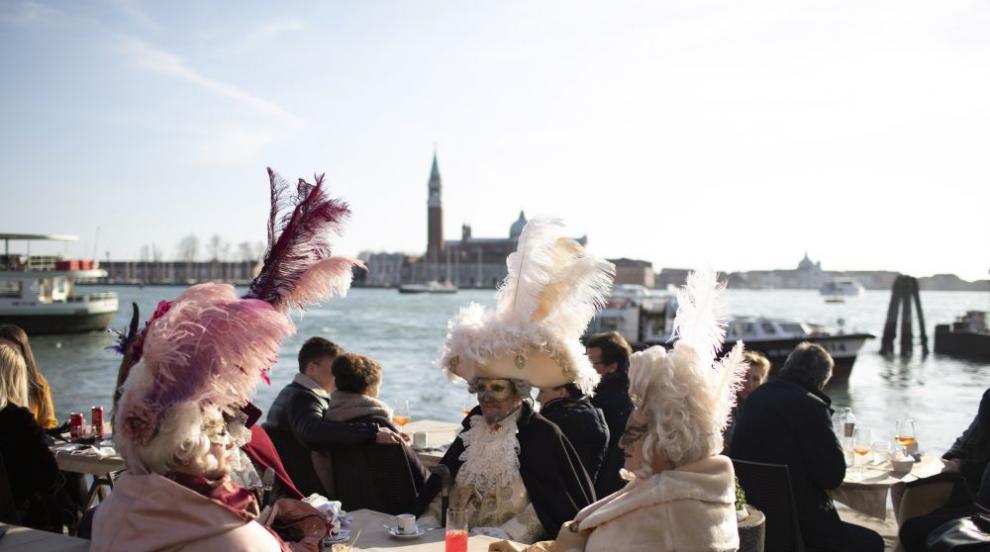 Прекратиха карнавала във Венеция заради коронавируса (СНИМКИ)