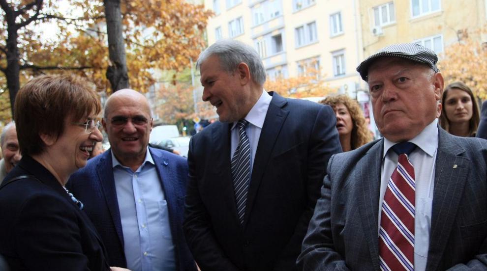 Ген. Василев: Одобрявам действията на Гешев, криминалният контингент...
