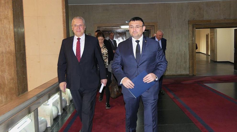 България има изключителен принос и дава пример за това как трябва да се...