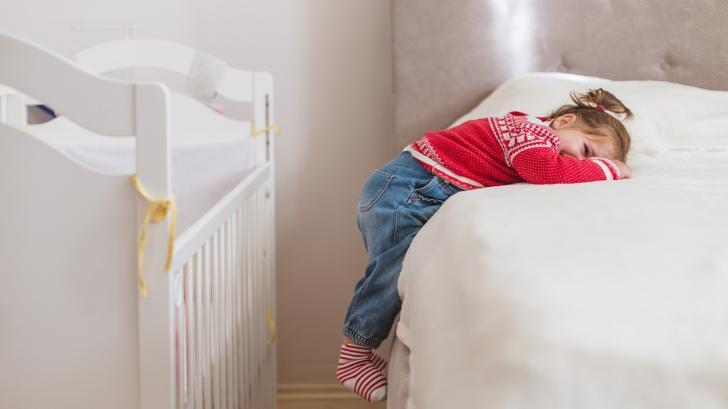 Кога е време да сменим кошарата с детско легло
