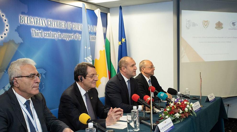 Радев и Анастасиадис се разбраха за насърчаване на икономическия и...