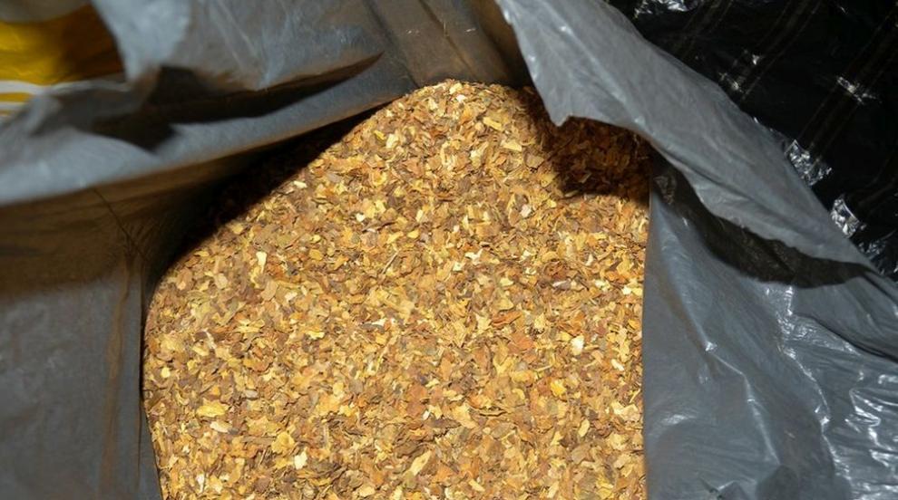 След спецакция във Великотърновско: Иззеха тютюн, наркотици и дърва за...