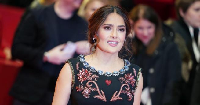 Актрисата Салма Хайек започна кампания срещу домашното насилие в условията