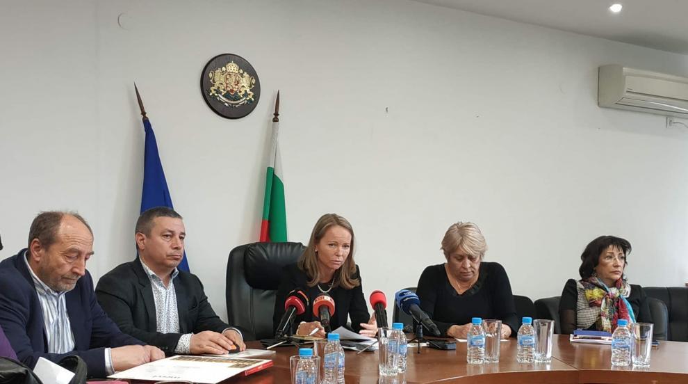 Студентка е под карантина в Пловдив, обиколила цяла Европа, преди да се...