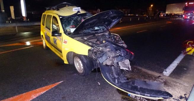 Тежка катастрофа стана на главен път Е-79 между такси и