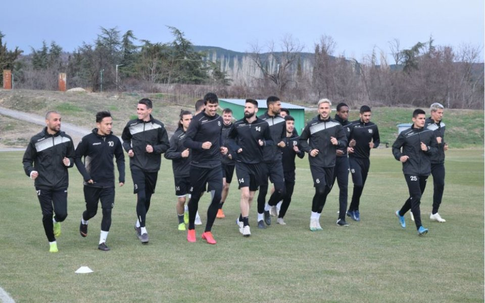 Представителният отбор на Локомотив се изправя в петък (28.02) срещу