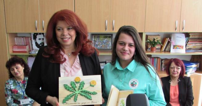 Вицепрезидентът Илияна Йотова посети град Тутракан във връзка с инициативата