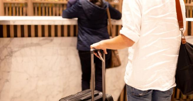 Тримата българи, блокирани от дни в изолирания от света хотел