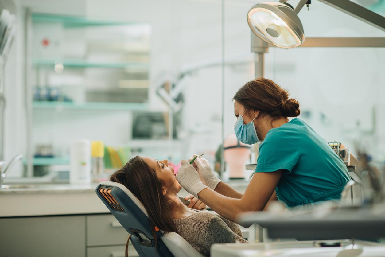 <p><strong>Миете зъбите си само преди да отидете на зъболекар</strong></p>  <p>Не се опитвайте да излъжете вашия стоматолог. Той ще разбере дали казвате истината.</p>