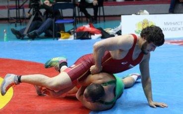 Отлагат олимпийските квалификации в борбата за догодина