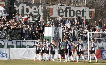 Локомотив Пловдив ще си връща второто място срещу последния Витоша