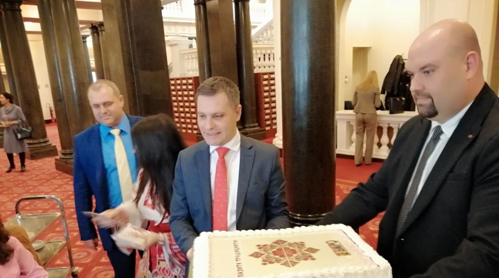 ВМРО: Ако магазините не увеличат българските стоки,...