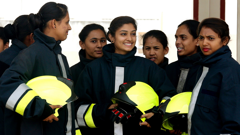<p>Четиринадесетте жени обучени за пожарна служба</p>