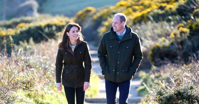 Херцогът и херцогинята на Кеймбридж са на тридневна обиколка из