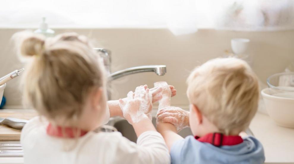 Психолози: Децата се справят по-геройски от...