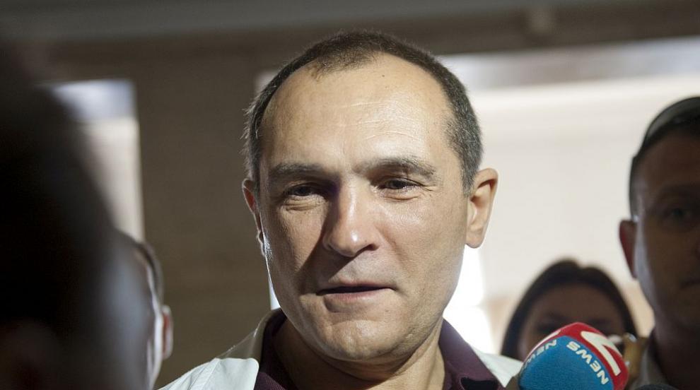 Васил Божков показа снимки на есемеси с Vladi Goranov