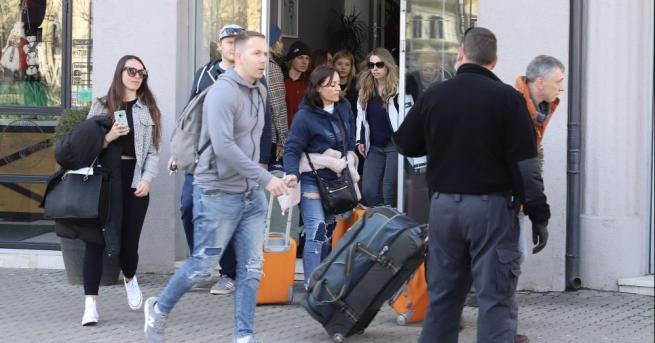 Шестима англичани, които са били на почивка в Банско, все