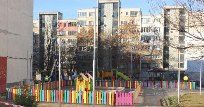 От днес Община Плевен поетапно въвежда карантина за детските и