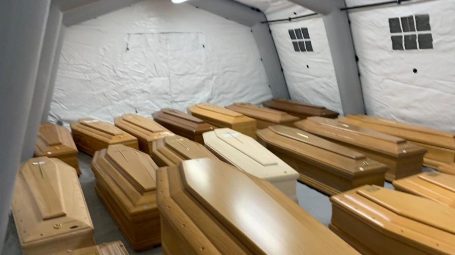 Заради коронавируса в Италия не смогват с погребенията