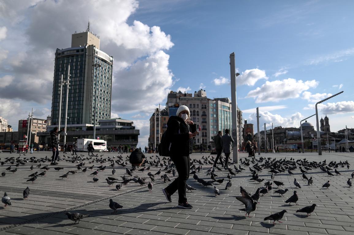 <p>Досега Турция е регистрирала 3 смъртни случая и 191 заразени.</p>