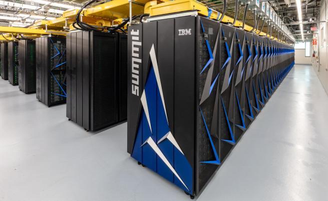 Най-мощният компютър се зае с коронавируса