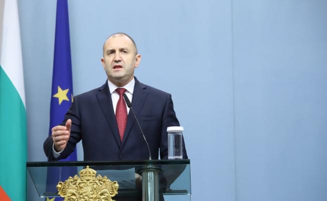Румен Радев: Най-важният ресурс за справянето с която и да е криза, е доверието в институциите