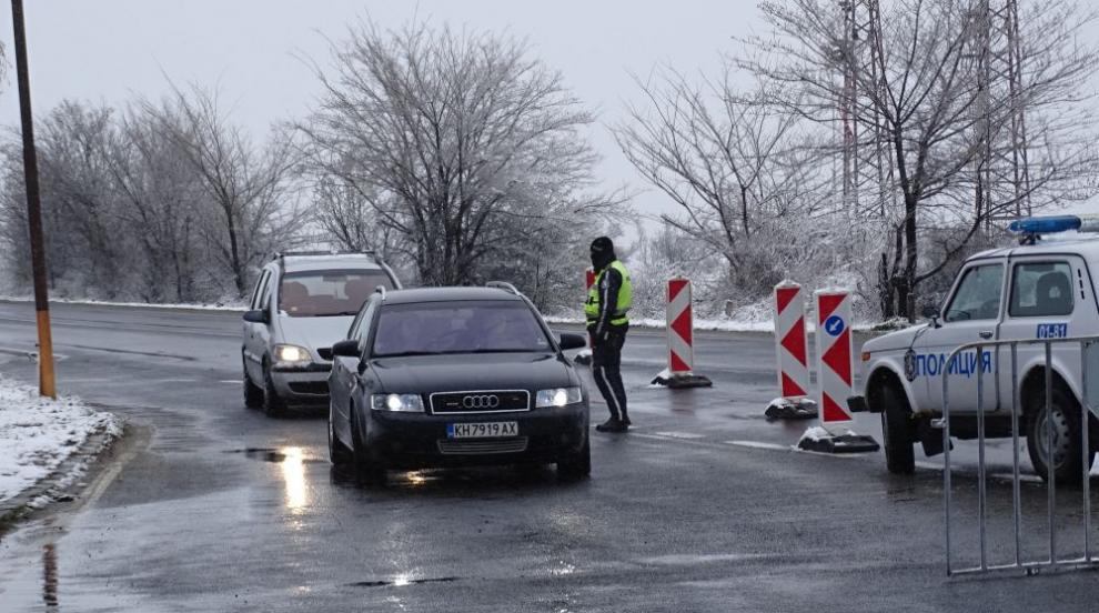 Опашки от коли на КПП-тата, трафикът към София е...