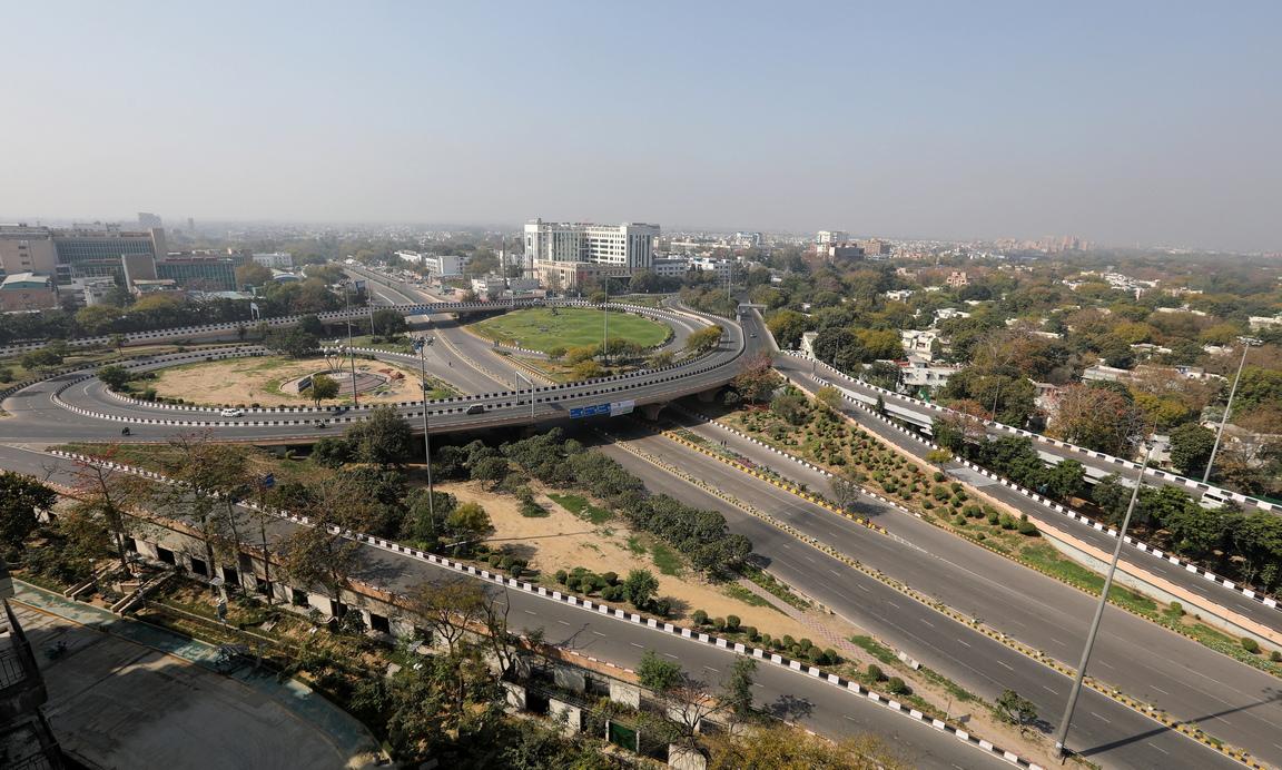 <p>Трафикът в 21-милионната индийска столица Ню Делхи изчезна.</p>