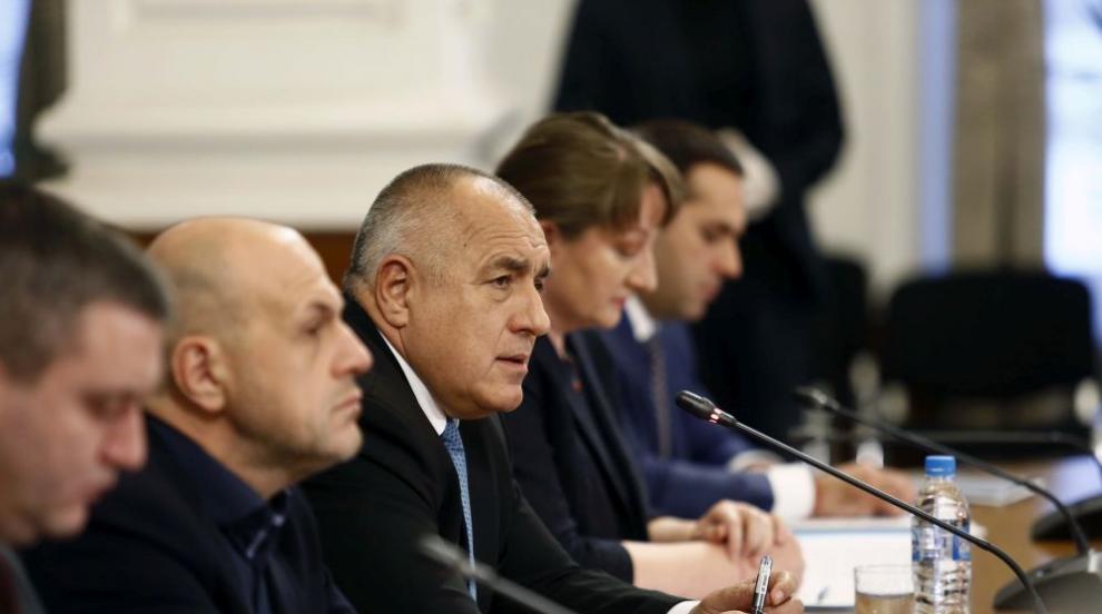 Борисов: Вървим по много тънка нишка - хем да спазваме...