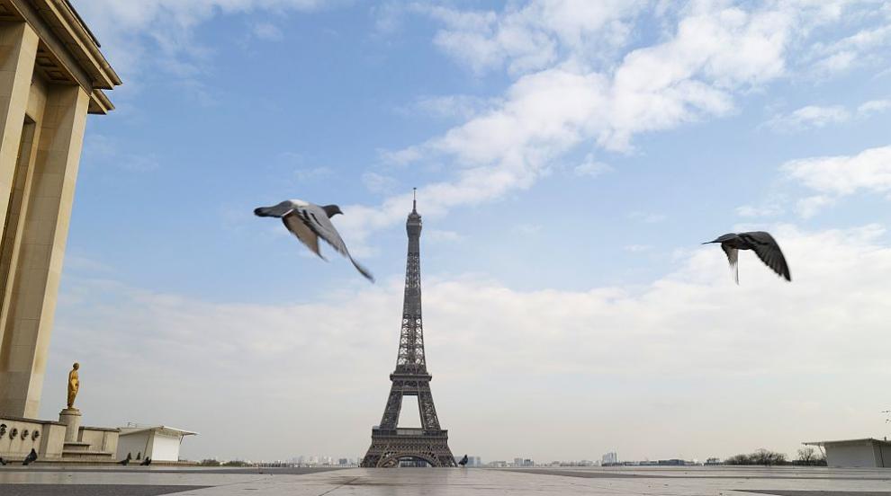 Париж замлъкна... чува се само песента на птиците...