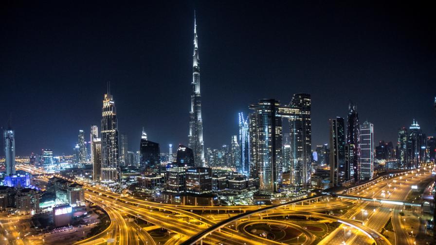 Безлюдните улици на Дубай