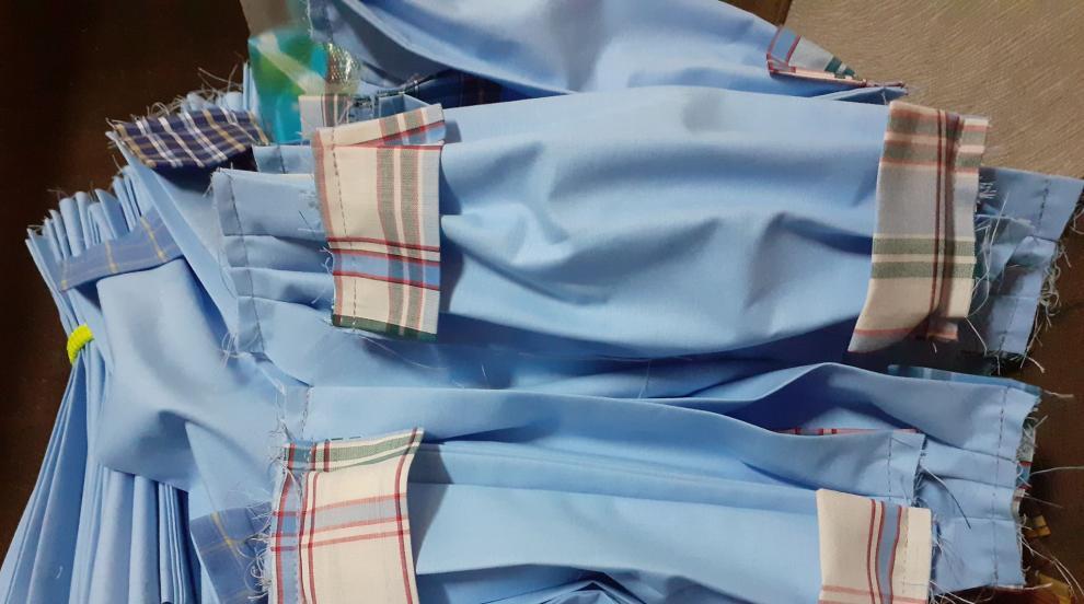 Три български фирми вече шият защитни облекла у нас...