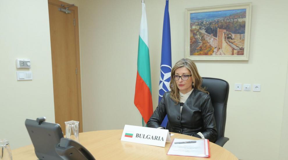 Захариева пред НАТО: Нашите граждани очакват Алианса...