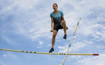Рено Лавиени скочи 5.61 м по време на карантината (ВИДЕО)