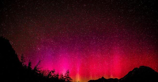 """Астрономи успяха да разгадаят загадката на """"червеното ветрило"""", появило се"""