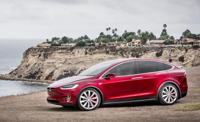 """Tesla се учи на """"стойката на гепарда"""""""