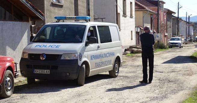 Мъж на около 70-годишна възраст е намерен убит в село