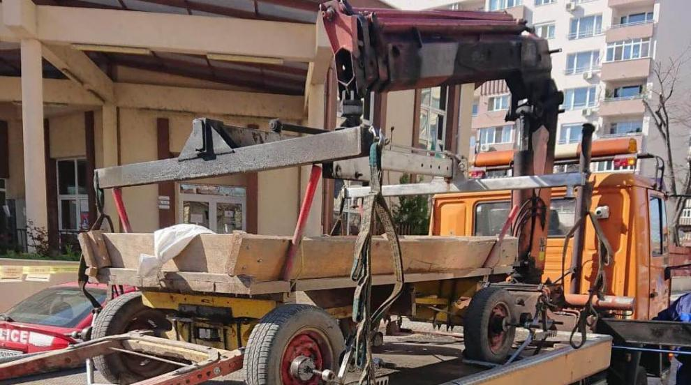 Паяк вдигна каруца в Столипиново, полицията глоби...