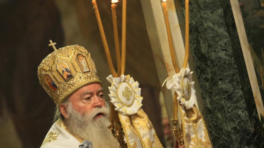 """""""Не може един човек да казва, че е църковен, а да настоява да се затворят църквите"""""""