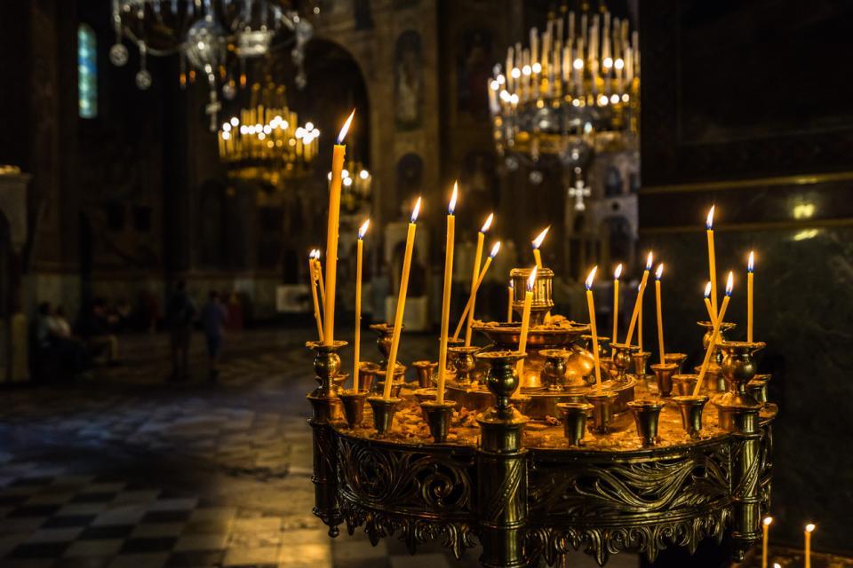свещ църква празник