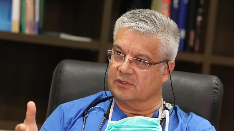 Д-р Иван Колчаков: Страната ни е от малкото, които умело управляват пандемията