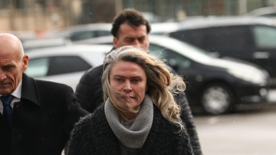 Жената на Васил Божков остава в ареста