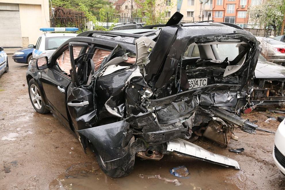 Приключи разследването на катастрофата, при която загина Милен Цветков -  България - DarikNews.bg