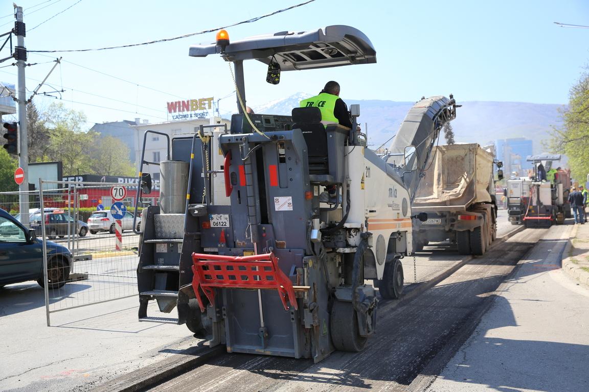 <p>Ръководителят на проекта Красимир Цоклинов обясни , че ремонтът на трасето с дължина от 1 км ще продължи 40 дни.</p>