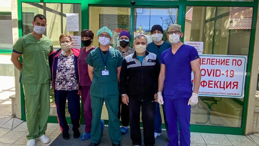 Изписаха семейство от болница в Пловдив, жената е била 11 дни на апаратна вентилация