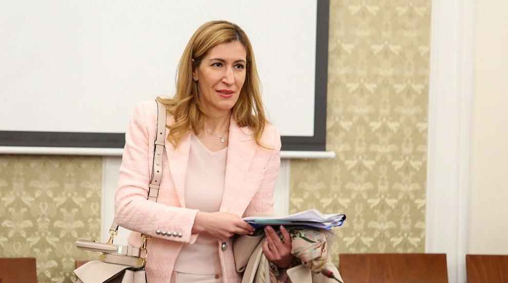 Ангелкова във Велинград: Очакваме повече туристи и...