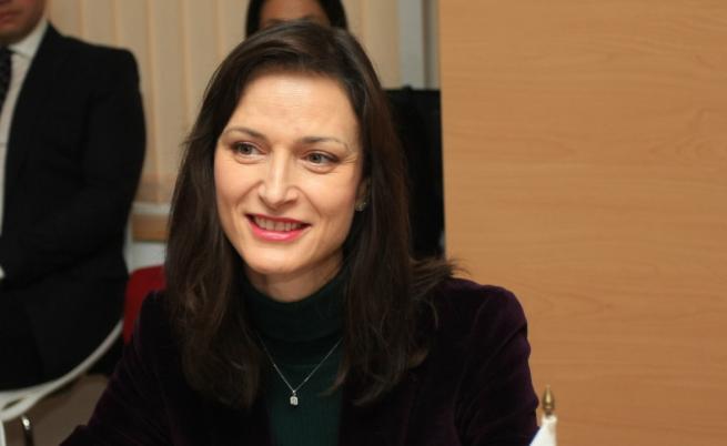 Мария Габриел: Ще намерим ваксина срещу коронавируса до края на годината
